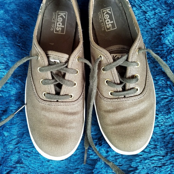 f12b5bad2ce Keds Shoes - KEDS METALLIC GOLD LACE UP CANVAS SNEAKERS!